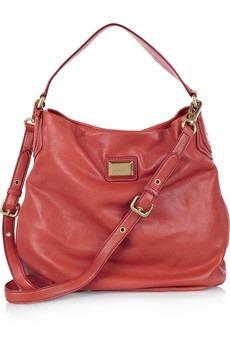 Не люблю красный цвет, но эта сумка довольно-таки симпатичная;) Видимо...