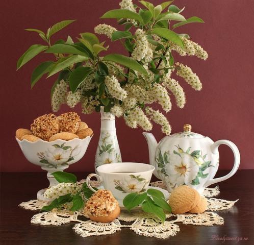 ДОБРОЕ УТРО - черемуха, печеье в вазе, чайник, чай. (498x480, 81Kb)
