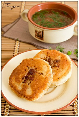 http://img1.liveinternet.ru/images/attach/c/2/74/460/74460419_large_4278666_4473703462_0f5db57889_Round_fried_meat_pies_M.jpg