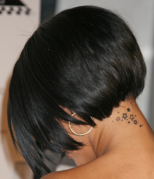 rihanna-neck-tattoo (505x590, 240Kb)