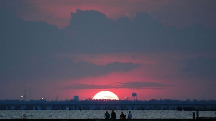 Прекрасный закат солнца 1