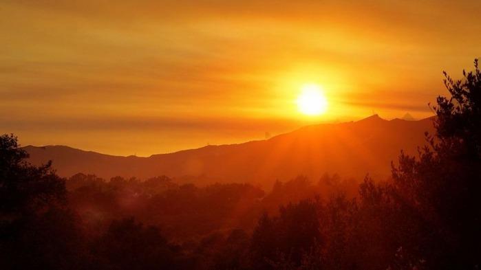 Прекрасный закат солнца 8