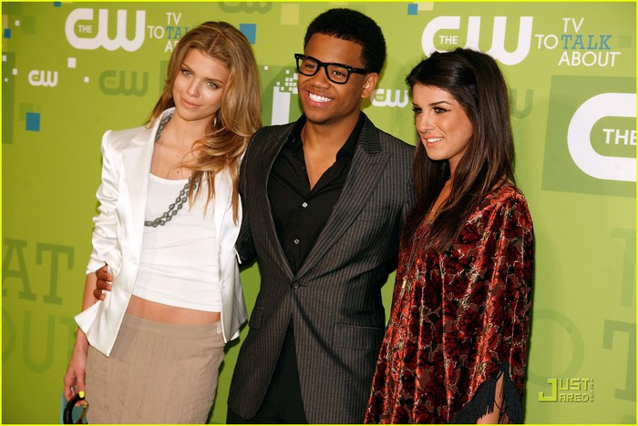annalynne-mccord-upfronts-06 (700x468, 93Kb)