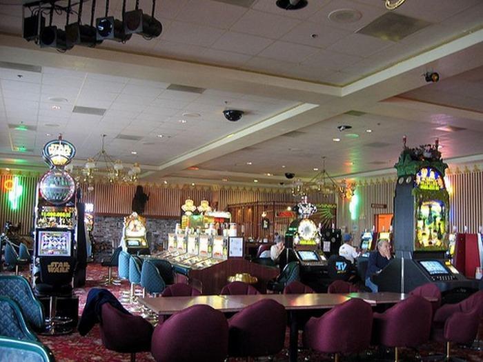 Красивый интерьер казино 4