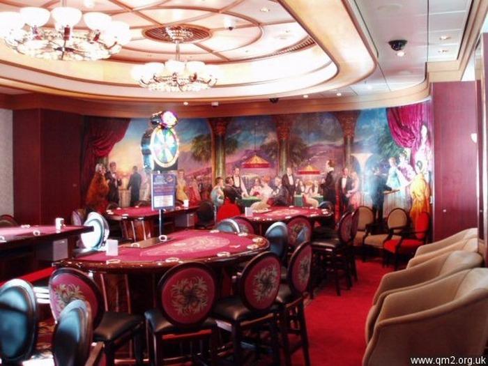 Красивый интерьер казино 19
