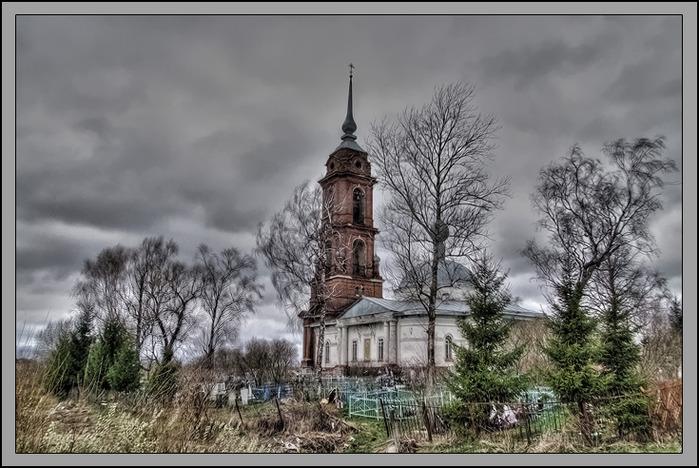 Деревенская церковь самое