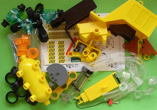 capsela-9680-hydraulic-system-550-521 (650x455, 80Kb)