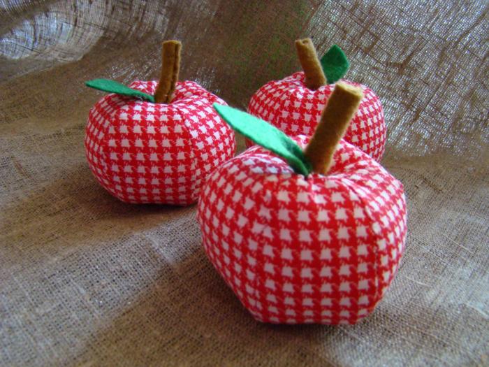 Сшить яблоки из ткани 56
