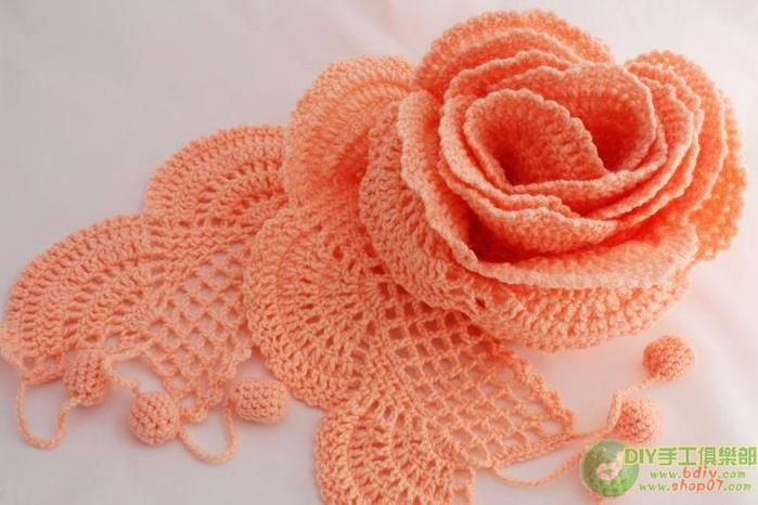 Вязание крючком.  Большая подборка шарфиков со схемами.