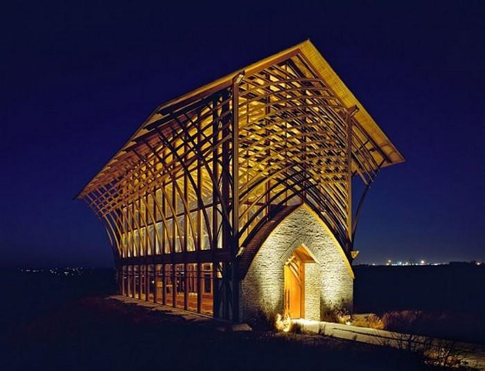 Современный католический храм в штате Набраска