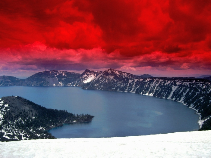 Scarlet Skies, Crater Lake, Oregon (700x525, 244Kb)