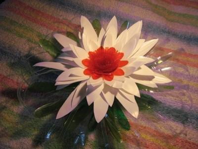 Цветок из полиэтиленовой тары. 84546