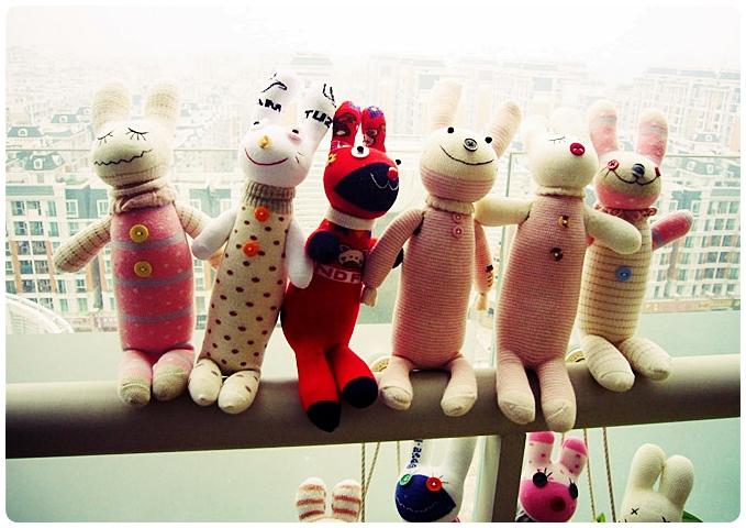 игрушка из носка поделка своими руками/3374111_igrushki_iz_nosok (679x480, 270Kb)