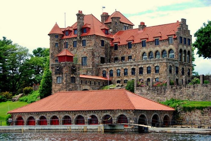Замок Зингера (Singer Castle) на острове Дарк-Айленд (Dark Island) (Канада) 92100