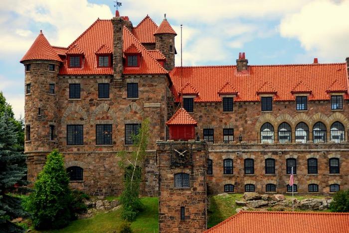 Замок Зингера (Singer Castle) на острове Дарк-Айленд (Dark Island) (Канада) 97371