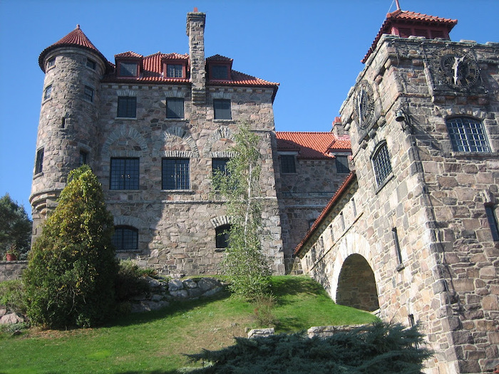 Замок Зингера (Singer Castle) на острове Дарк-Айленд (Dark Island) (Канада) 99007
