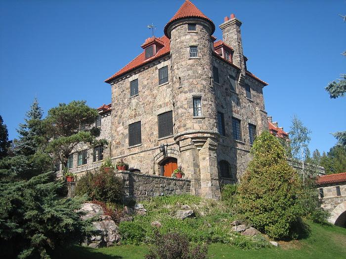 Замок Зингера (Singer Castle) на острове Дарк-Айленд (Dark Island) (Канада) 98089