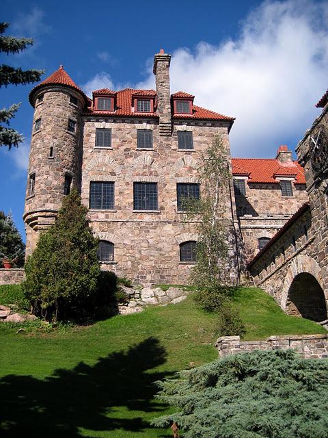Замок Зингера (Singer Castle) на острове Дарк-Айленд (Dark Island) (Канада) 90077