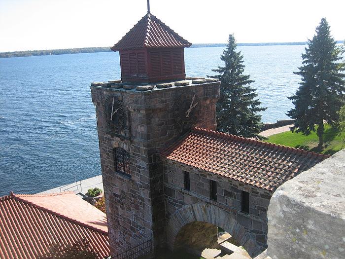 Замок Зингера (Singer Castle) на острове Дарк-Айленд (Dark Island) (Канада) 84254