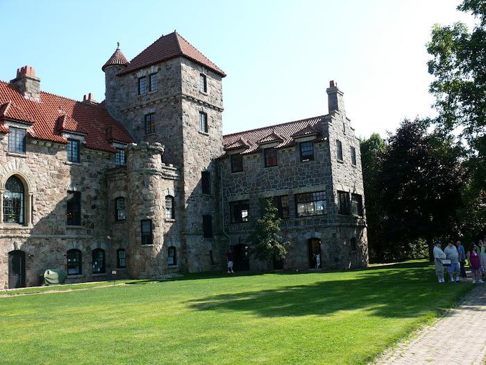 Замок Зингера (Singer Castle) на острове Дарк-Айленд (Dark Island) (Канада) 80564