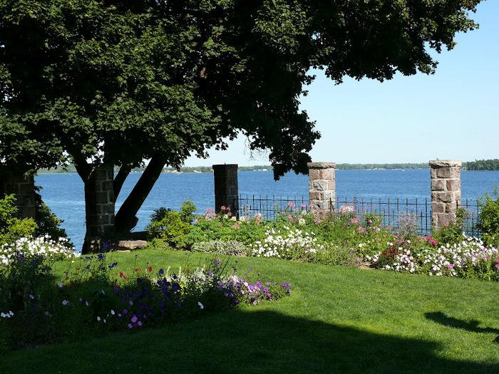 Замок Зингера (Singer Castle) на острове Дарк-Айленд (Dark Island) (Канада) 89249