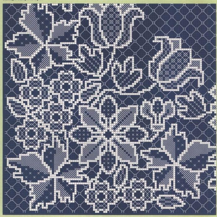 белым по синему схема салфетка (700x700, 493Kb)