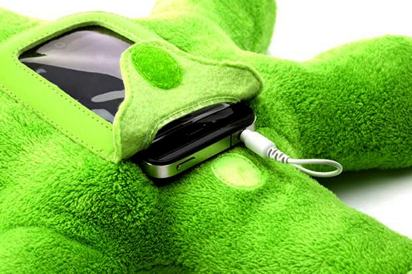 4121583_Woogie_plush_iPhone_case_1 (600x400, 83Kb)