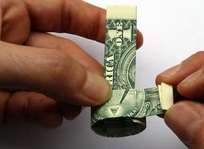 доллар кольцо шаг 8/3576489_dollarbillringstep08 (400x293, 18Kb)