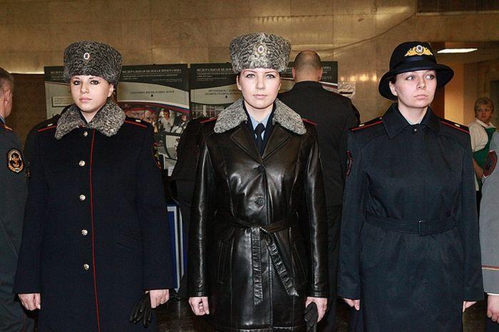 Новая форма российских полицейских (фото) 8 (700x466, 56Kb)
