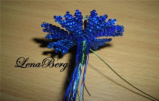 плетение тычинок из бисера.