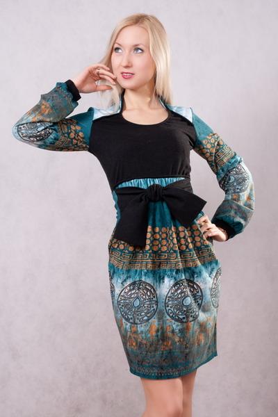 Это ведь платье из Афин.  Я девочка.  Я не хочу ничего решать.