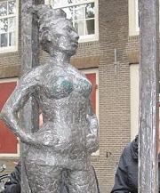 261px-Prostitute_statue (180x217, 21Kb)