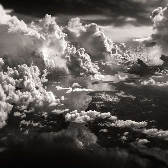 Day.Az - Новости - Поэзия черно-белой фотографии Бурный океан и