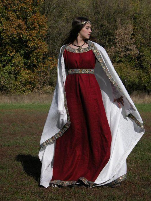 Женское историческое платье в стиле ампир