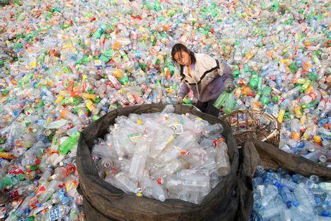 Утилизация полимерных отходов помогает избежать экологической катастрофы и дает возможность заработать.