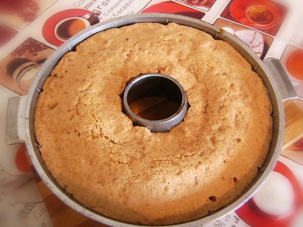 вынимаем кекс из духовки (600x450, 290Kb)