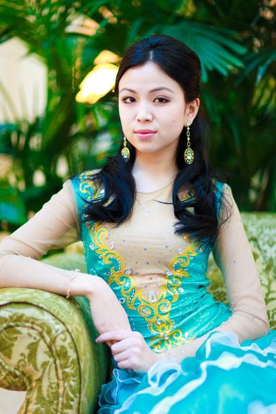 Автор: Kibei.  Артикул: 493217497.  Казахская национальная одежда Салон.