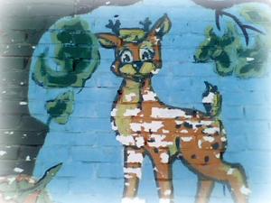 Фрагмент расписанной стены Оленёнок222 (300x225, 92Kb)