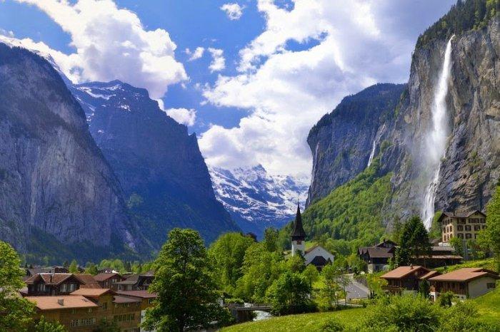 долина Лаутербруннен швейцарские альпы 1 (700x466, 313Kb)
