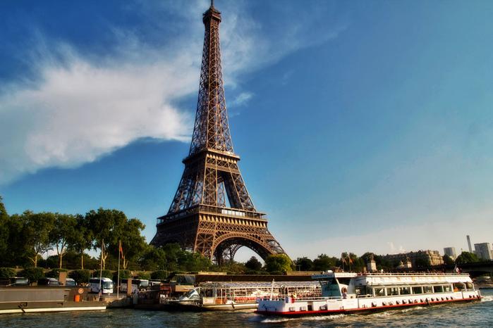 3937404_EiffelTowerfromSeineByArturStaszewski (700x466, 177Kb)