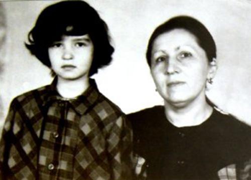 полина с мамой ей 9лет. (500x360, 125Kb)