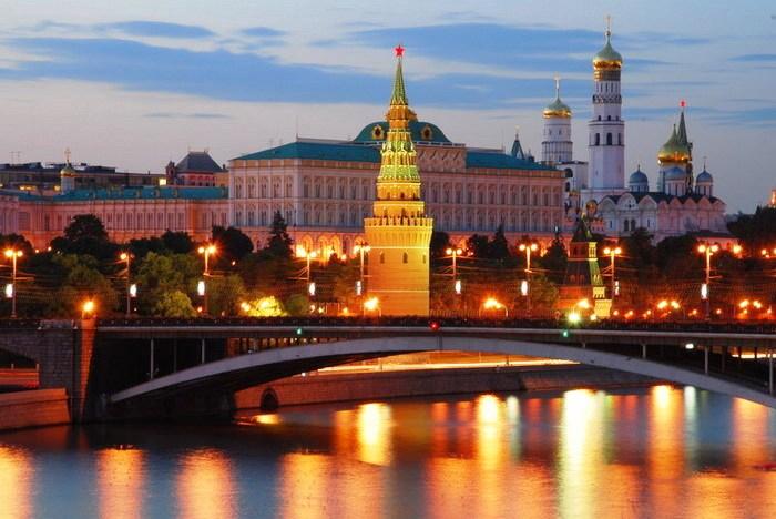 Москва вечерняя 13 (700x468, 331Kb)