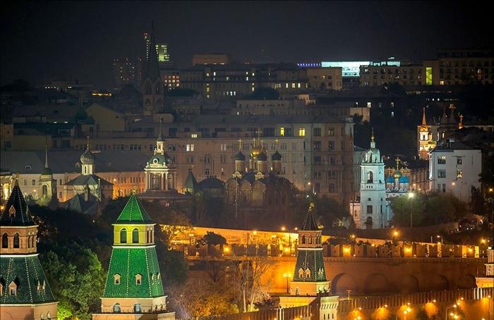 Москва вечерняя 22 (700x454, 358Kb)