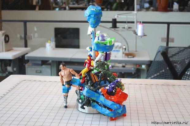 Креативная лампа из детских игрушек (2) (620x413, 132Kb)