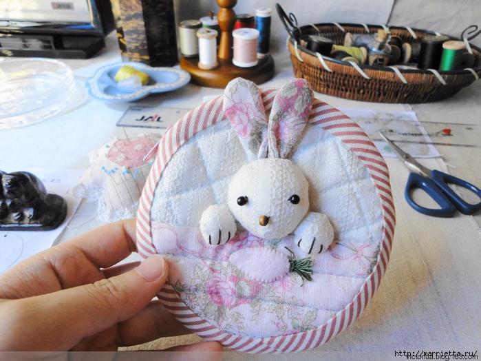 Лоскутное шитье. Кошелек с кроликом (3) (700x524, 307Kb)