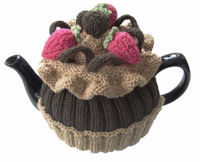 CHOCOLATE TEA COSY WHITE BACKGROUND (400x324, 111Kb)