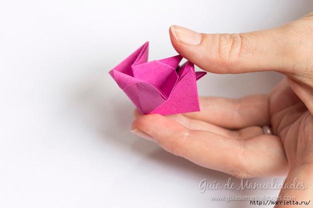 Нежные розочки из бумаги в технике оригами (12) (626x417, 104Kb)