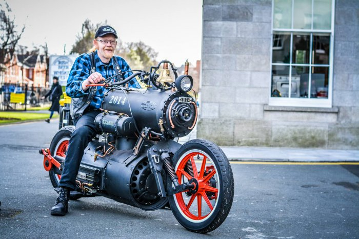 черная жемчужина мотоцикл в стиле стимпанк 2 (700x466, 305Kb)