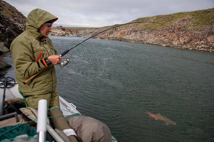 арктический голец видео рыбалка