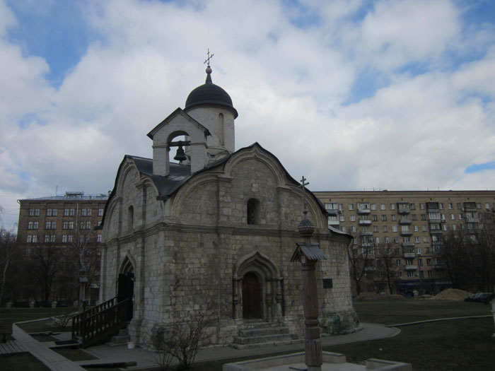 1067597_Trifonovskii_hram_1_ (700x525, 81Kb)